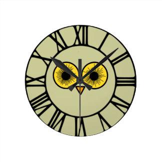 Owl Eyes Round Clock