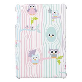Owl Gals in a Tree Winking at Me iPad Mini Case