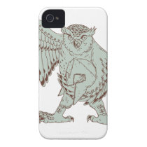 Owl Holding Spartan Helmet Drawing iPhone 4 Cover