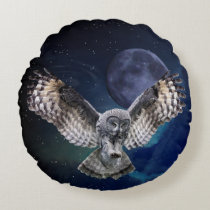 Owl in Flight Round Pillow