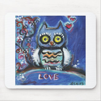 Owl love hearts mouse pad