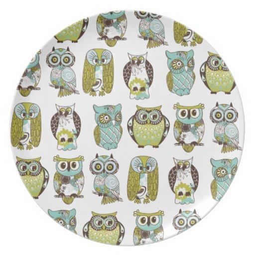 owl meeting dinner plate