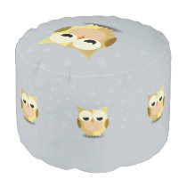 Owl on a stary background illustration pouf