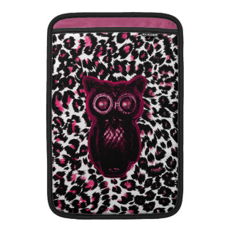Owl on Pink Leopard Spots Background Sleeve For MacBook Air