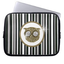 Owl with stripes pattern laptop sleeve