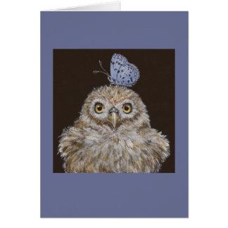 owlet con la tarjeta de la mariposa