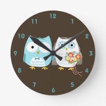 Owls Bride and Groom - Cute Wedding Couple Round Clock