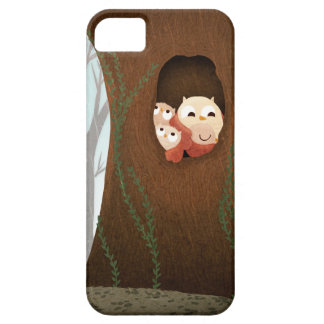 "Owls in the rain ""Shelter"" iPhone 5 Cover"