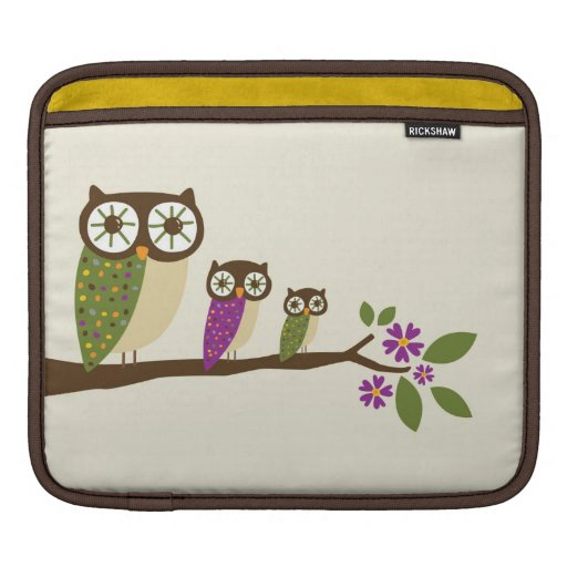 Owls on a branch cover iPad sleeves