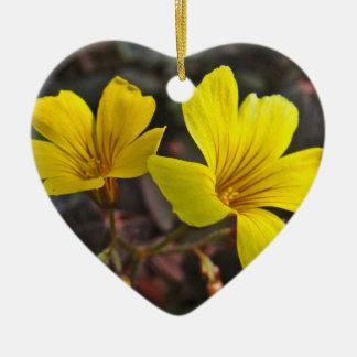 Oxalis Amarillo-Floreció el Houseplant Adorno Navideño De Cerámica En Forma De Corazón
