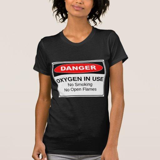 Oxígeno del peligro funcionando camisetas