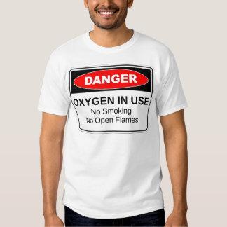 Oxígeno del peligro funcionando playera