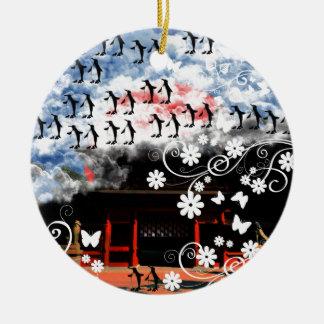 Oyama 祇 shrine and flower and penguin ceramic ornament
