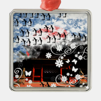 Oyama 祇 shrine and flower and penguin metal ornament