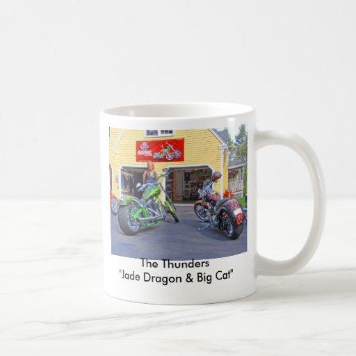 """P5020136, truena el """" dragón del jade y el gato gr taza básica blanca"""