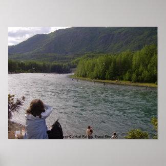 P8040287, pesca rusa del combate del río, Kenai R… Póster