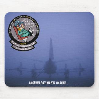 P-3 IBNFE en la niebla Mousepad