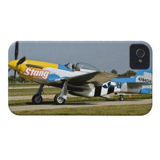 P-51 norteamericano D picó en la pista Case-Mate iPhone 4 Protectores