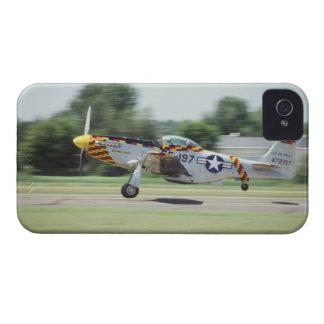 P-51D norteamericano, Donna-Ácaro, en el aire de C iPhone 4 Protector