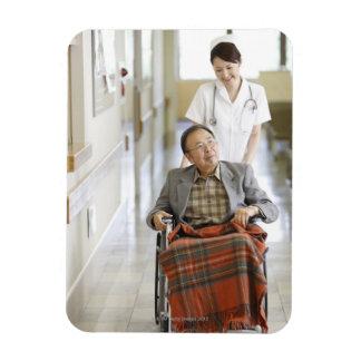 Paciente y enfermera iman de vinilo