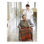 Paciente y enfermera tarjetas postales