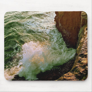 PACIFIC OCEAN WAVES BREAKING OF THE ROCKY COAST MOUSE PAD