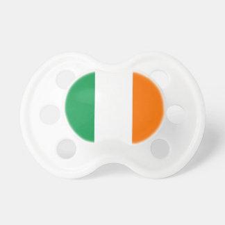 Pacificador con la bandera de Irlanda Chupete