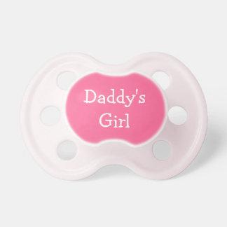 Pacificador de la niña del rosa del chica del papá chupetes