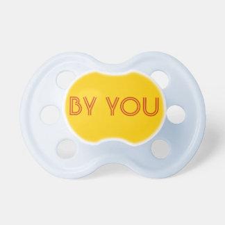 Pacificador del bebé: Amarillo de oro Chupete De Bebe