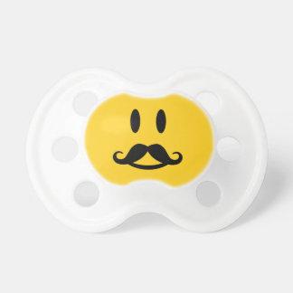 Pacificadores de encargo sonrientes del bigote fel chupete de bebe