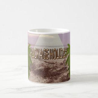 PACKAGE HOLIDAY CLASSIC WHITE COFFEE MUG