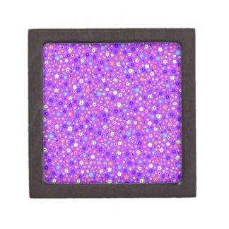 padrão de flores pequenas em fundo roxo jewelry box