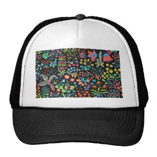 padrão floral em fundo escuro trucker hat