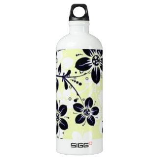 padrão flores pretas water bottle