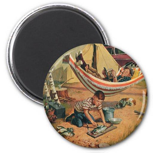 Padre e hijo que acampan, el día del vintage de pa imán redondo 5 cm