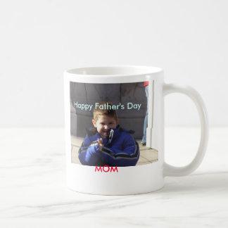 Padre feliz; mamá del día de s taza