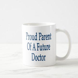 Padre orgulloso de un doctor futuro taza