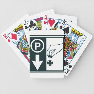 Paga para parquear la muestra cartas de juego