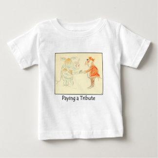 Pagar una camiseta del niño del tributo poleras