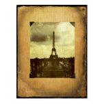 Página Antiqued torre Eiffel del libro de recuerdo Postal