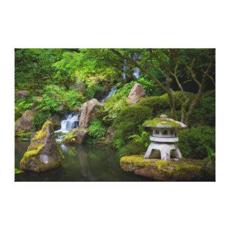 Pagoda y charca en el jardín japonés impresión en lienzo