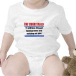 Pague sus impuestos. 11 illegals del millon confía trajes de bebé