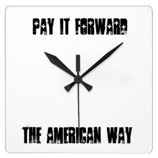 Pagúelo para remitir la manera americana - reloj