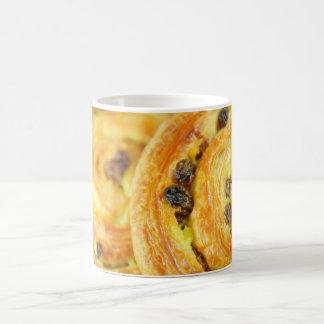 Pain aux raisins coffee mug