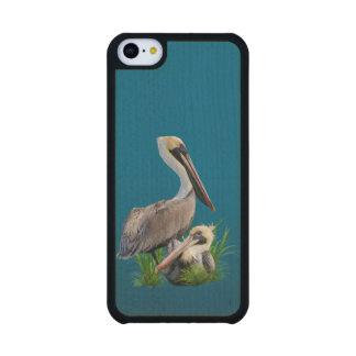 Pair of Brown Pelicans Customizable Carved® Maple iPhone 5C Slim Case
