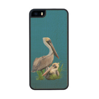 Pair of Brown Pelicans Customizable Carved® Maple iPhone 5 Slim Case