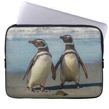 Beach Themed Pair of penguins on the beach computer sleeve