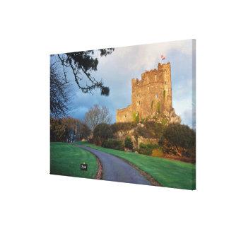 País de Gales - un castillo privado galés cerca de Lona Estirada Galerías