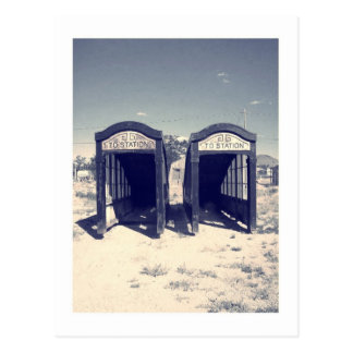 país de las maravillas abandonado postal