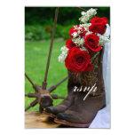 País rústico de las botas de vaquero de los rosas invitación 8,9 x 12,7 cm